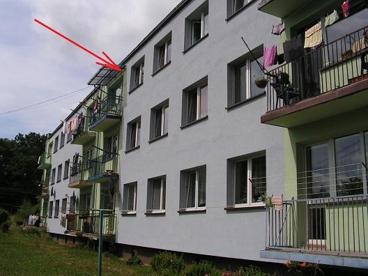 sprzedaż   mieszkanie w bloku 4 pokoje , II pietro  Klępczewo 5 km od Świdwina